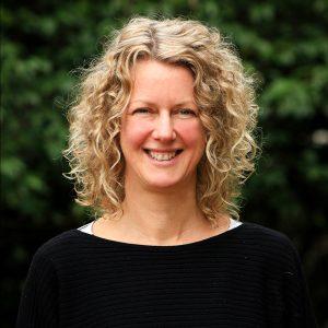 Lisa Swan Senior Business Editor - Q Content